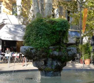 Cours Mirabeau Fountain