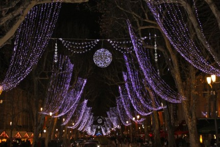 Cour Mirabeau Lights