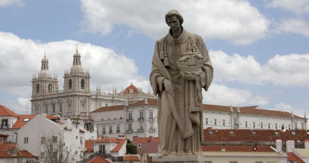 Lisbon view of Sao Vincente de Flora #Lisbon #Portugal @GingerandNutmeg