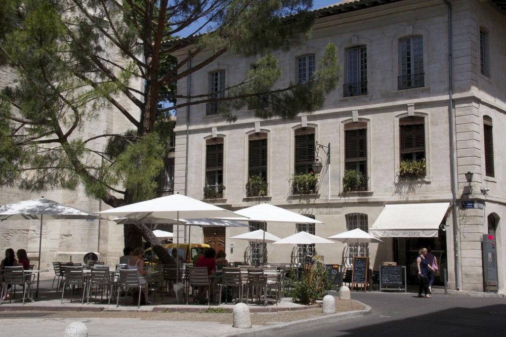 Avignon square @AvignonGourmet #Avignon #Provence #AvignonGourmetTours @GingerandNutmeg
