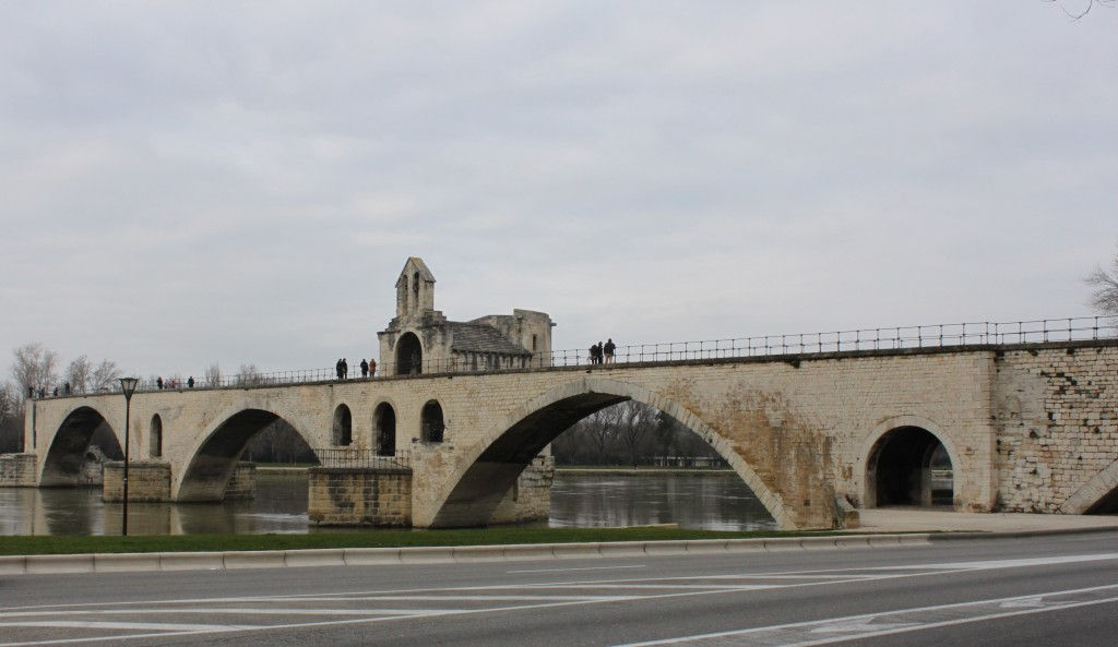 Pont d'Avignon #Avignon #Provence #PontdAvignon @GingerandNutmeg