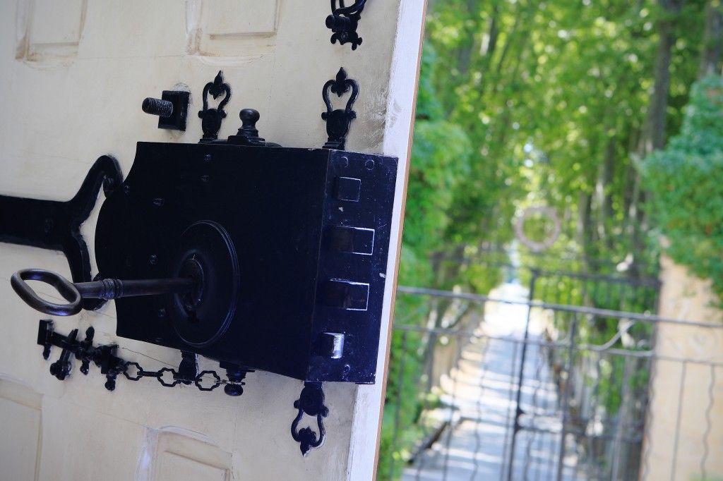 Chateau Pesquie Entrance #Provence #Vineyard #chateaupesquié  @fredchaudiere Herve FABRE