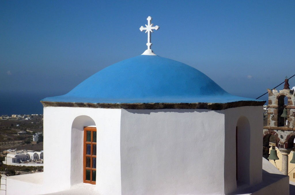 Santorini Church #Santorini #Greece #VisitGreece @GingerandNutmeg